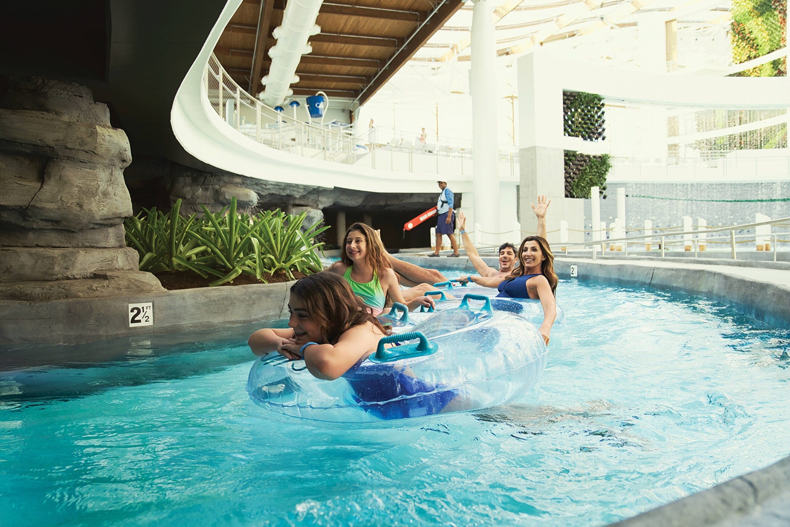 12 Kid Friendly Hotels With Indoor Water Parks In The U S Family Vacation Critic