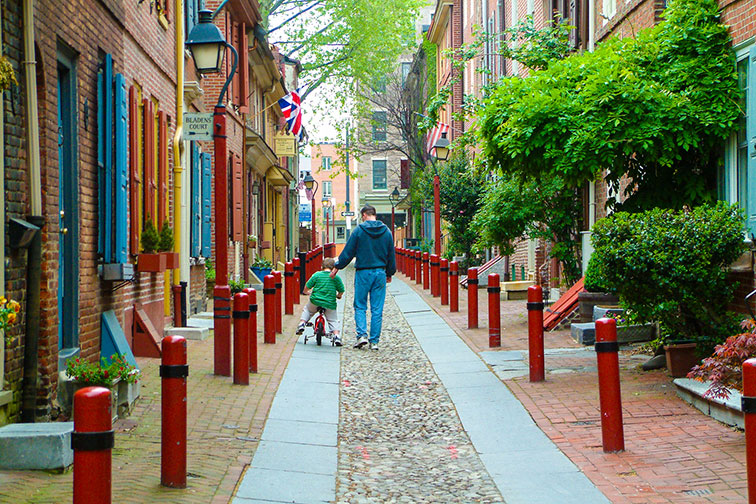 Father and Son in Elfreth's Alley in Philadelphia
