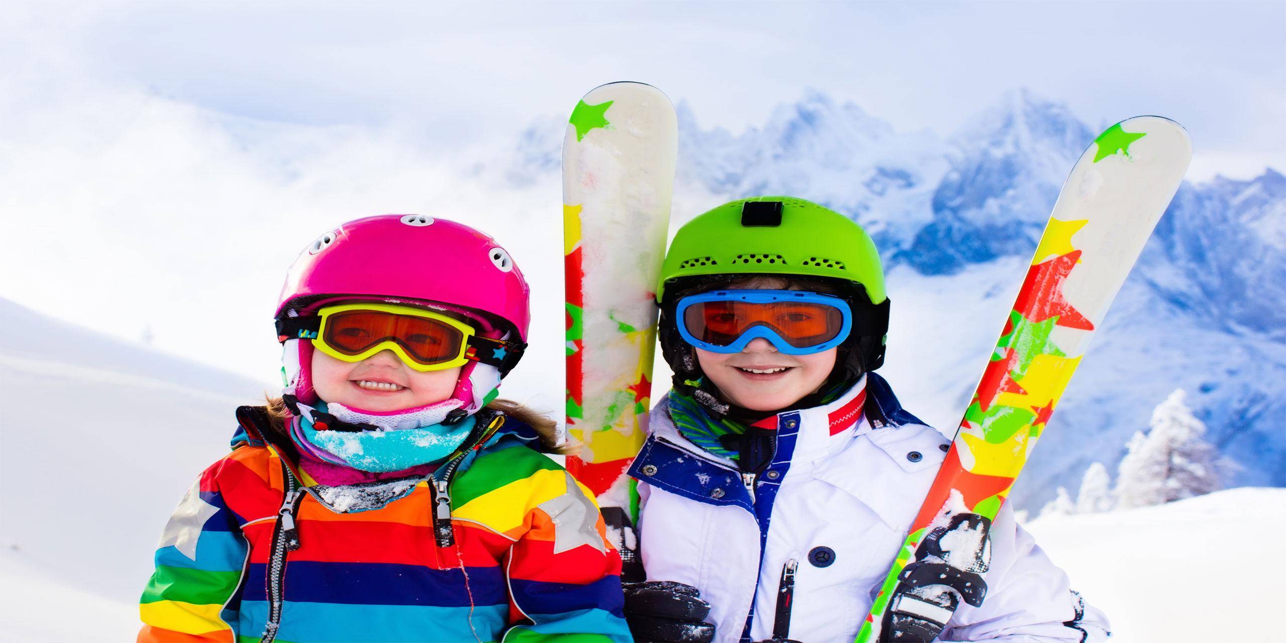 Kids Skiing; Courtesy of Fam Veld/Shutterstock.com