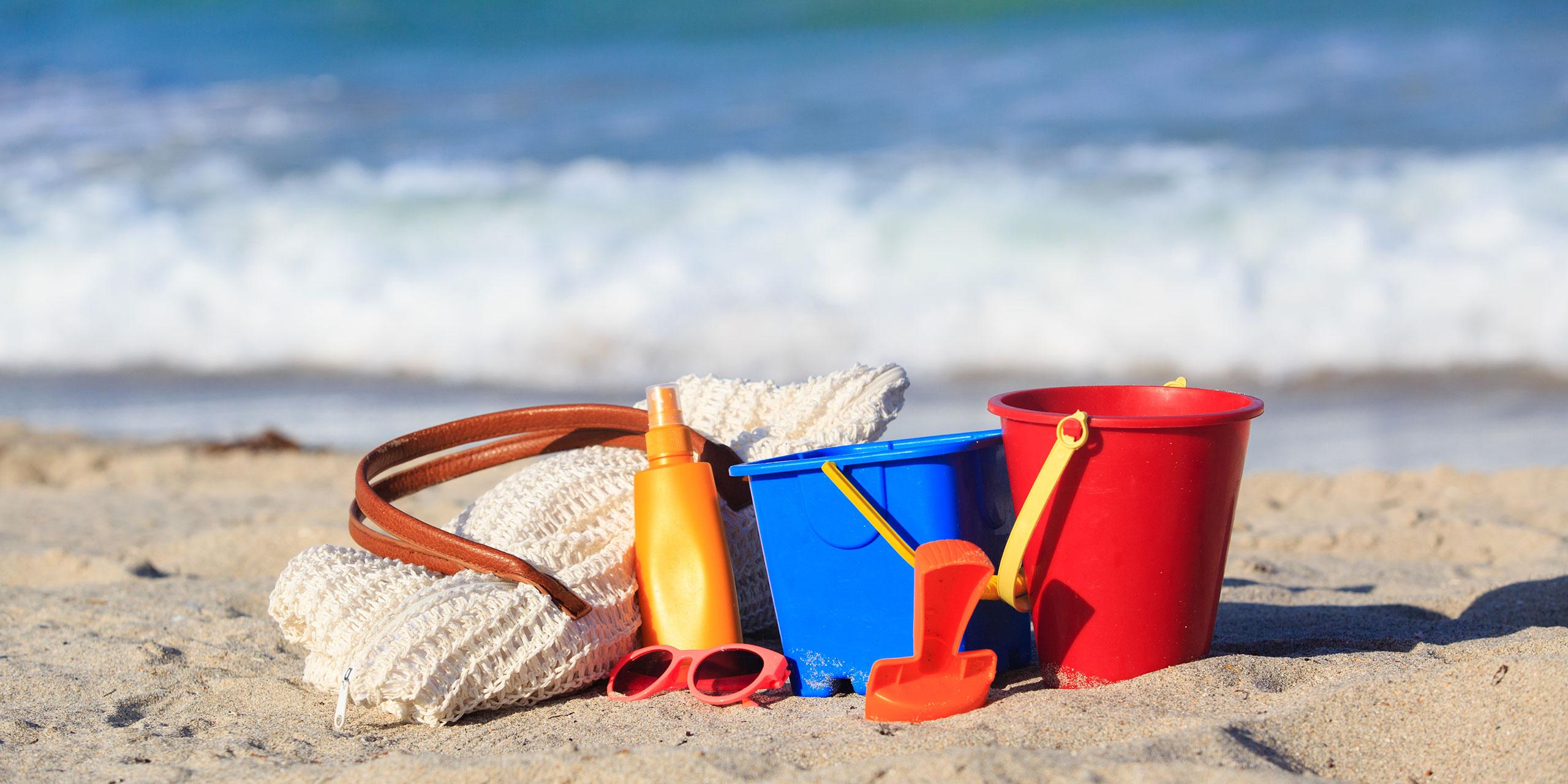 Beach Bag; Courtesy of NadyaEugene/Shutterstock.com