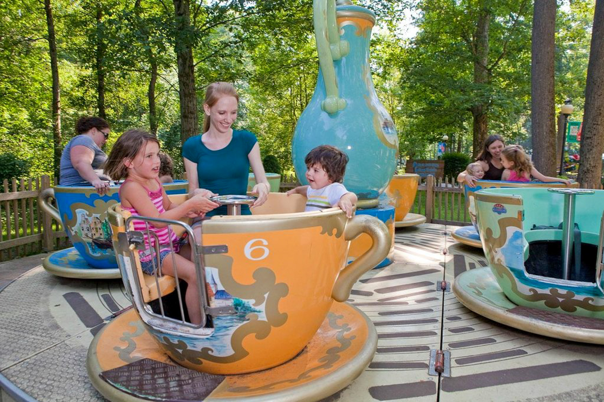 11 Best Amusement Parks for Toddlers and Young Kids | Family