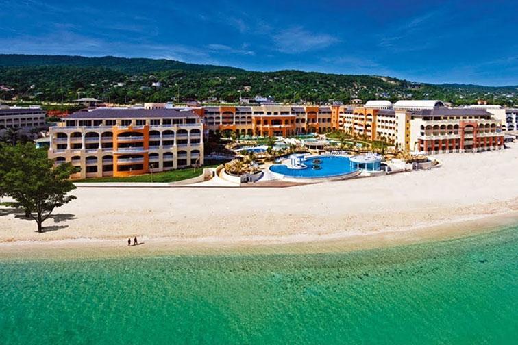 IBEROSTAR Rose Hall Suites in Jamaica