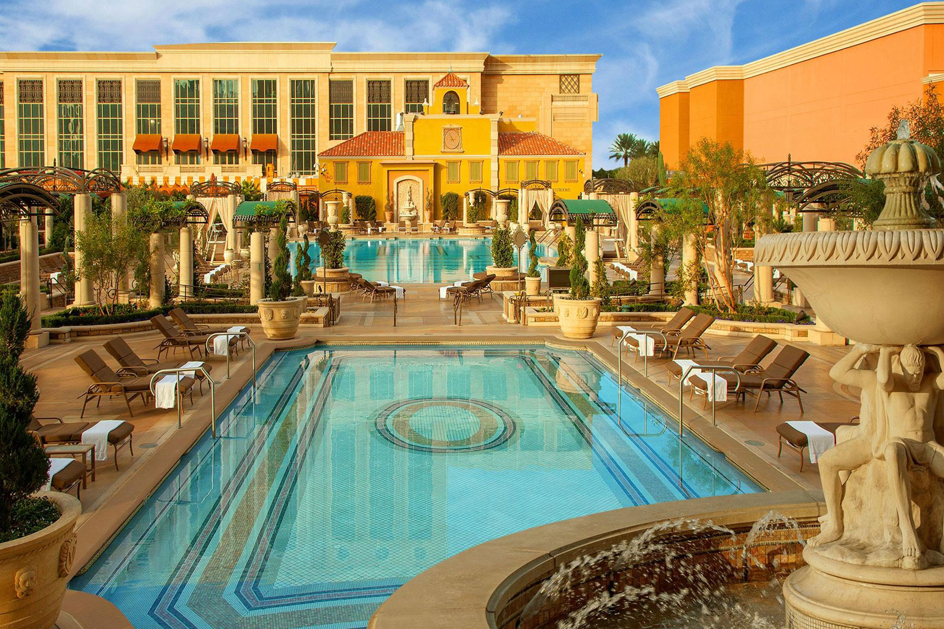 14 Best Kid Friendly Las Vegas Hotels 2019 | Family Vacation Critic
