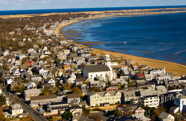 Many Families Homes On Cape Cod In Machusetts But If You Re Searching For A Quintessential Beach Resort New England Bound To Find One