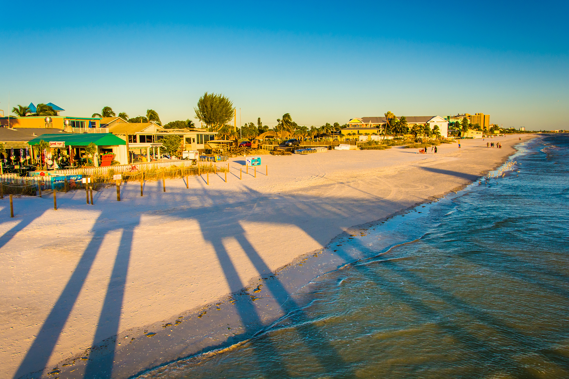 Many Fort Myers Beach Resorts Offer Everything The Destination Features Itselfà â Unspoiled Old Florida Watersports Rule Day As Do Sandcastle