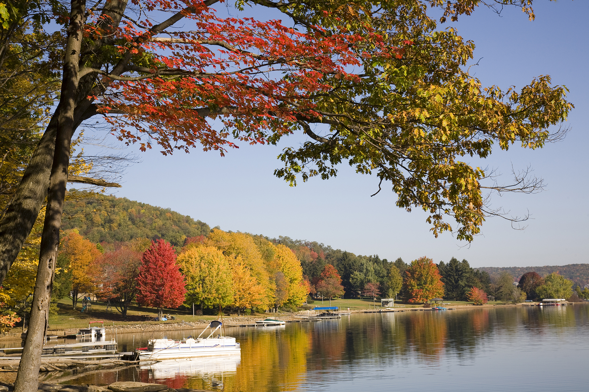 Deep Creek Lake, MD; Courtesy of aceshot1/Shutterstock.com