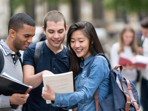 teens-high-school-study-abroad