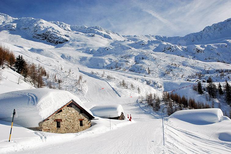 Sainte Foy Tarentaise, Piste, Winter Season, Ski Season, The French Alps, Winter Scene; Courtesy of Max Samuel/Shutterstock