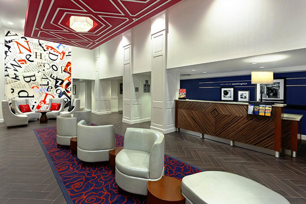 The lobby area and front desk of Hampton Inn Washington D.C./White House