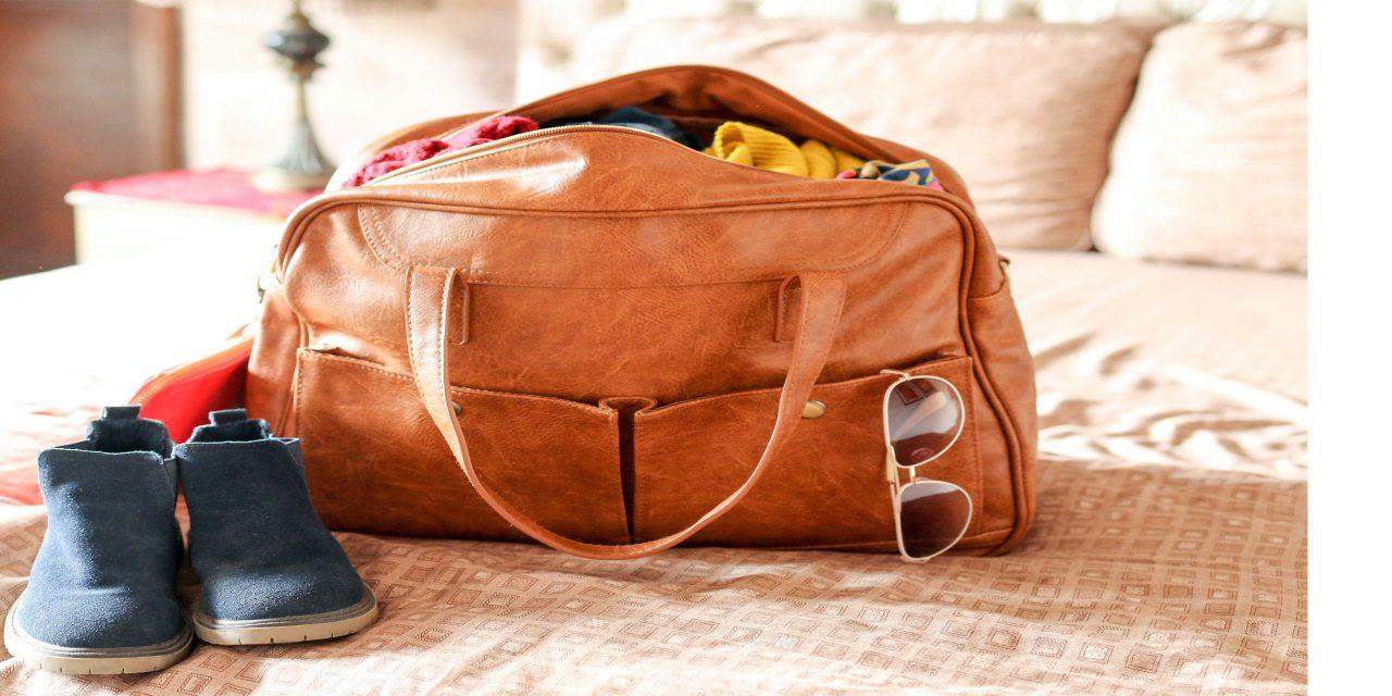 Weekender Bag; Courtesy of Abeer Sadiq/Shutterstock.com