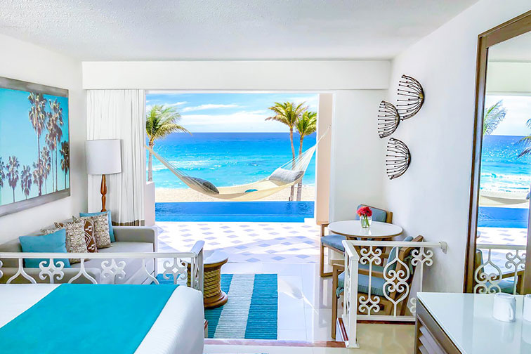 Swim-Up Suite at Panama Jack Resorts Cancun