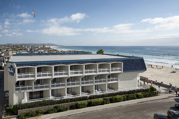 Blue Sea Beach Hotel in San Diego, California