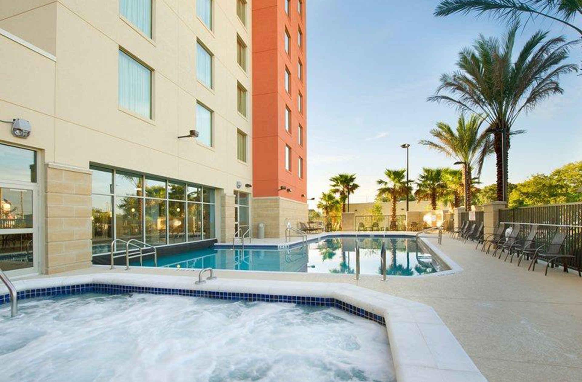 Drury Inn & Suites Near Universal Orlando Resort