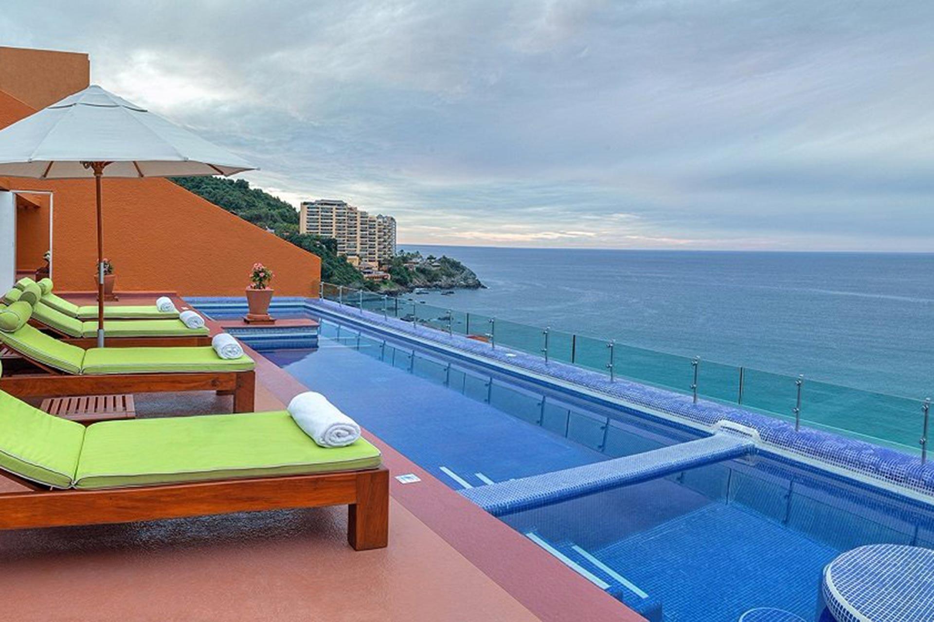 Master Suite at Las Brisas Ixtapa in Mexico