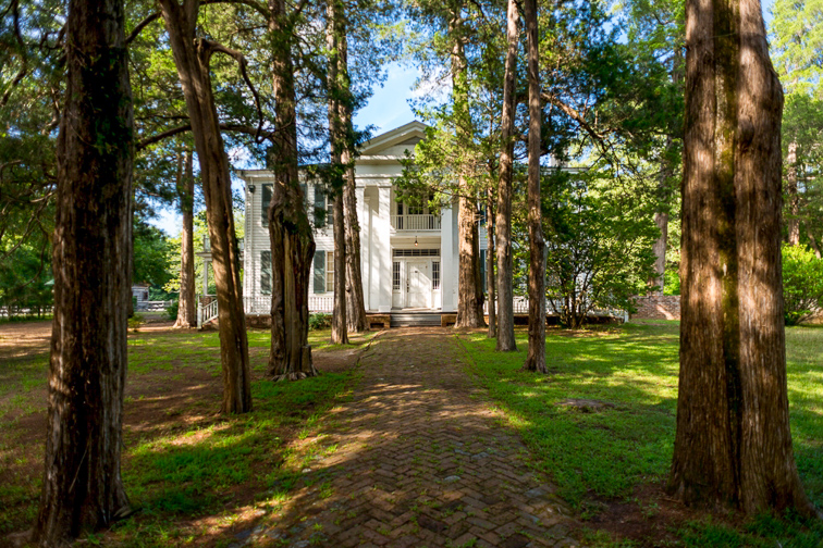 oxford Mississippi rowan oak home; Courtesy Visit Oxford Mississippi