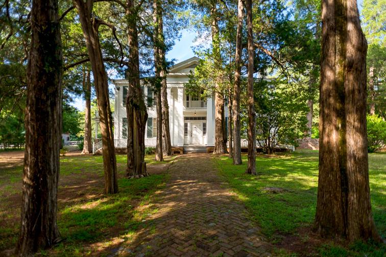 oxford Mississippi rowan oak home; Courtesy Visit Oxford Mississippi