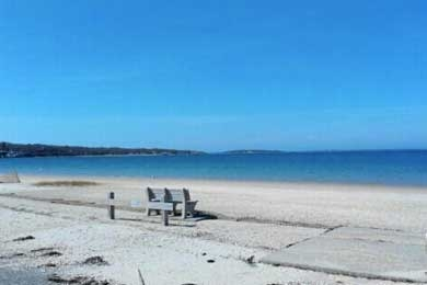 Foster Memorial Beach In Sag Harbor Ny 2018 Review Ratings Family Vacation Critic