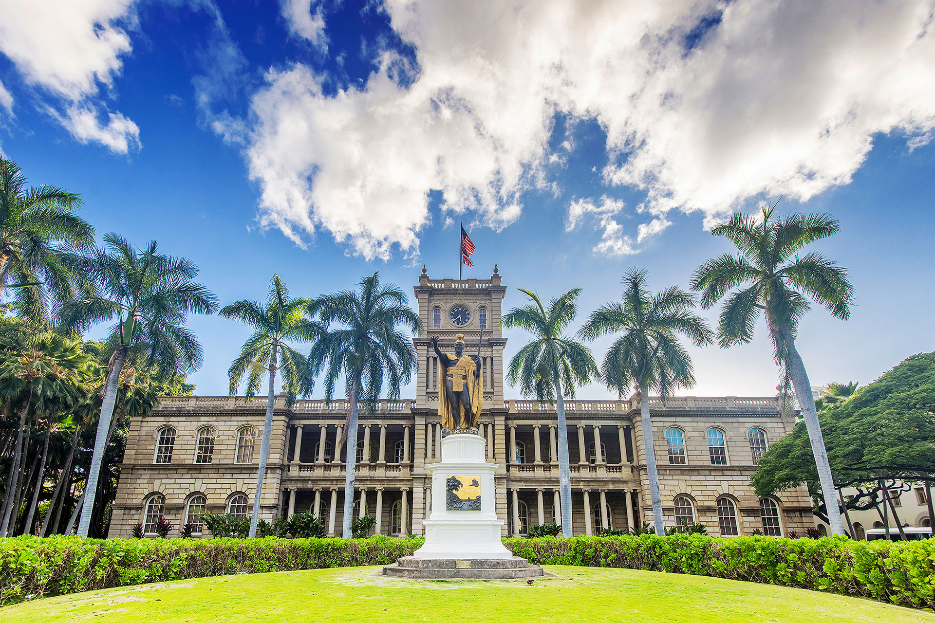 Iolani Palace; Courtesy of Allen G./Shutterstock.com