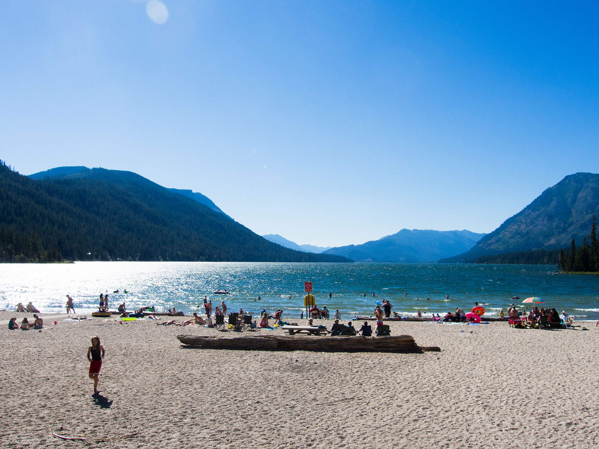 The beach and water on Lake Chelan