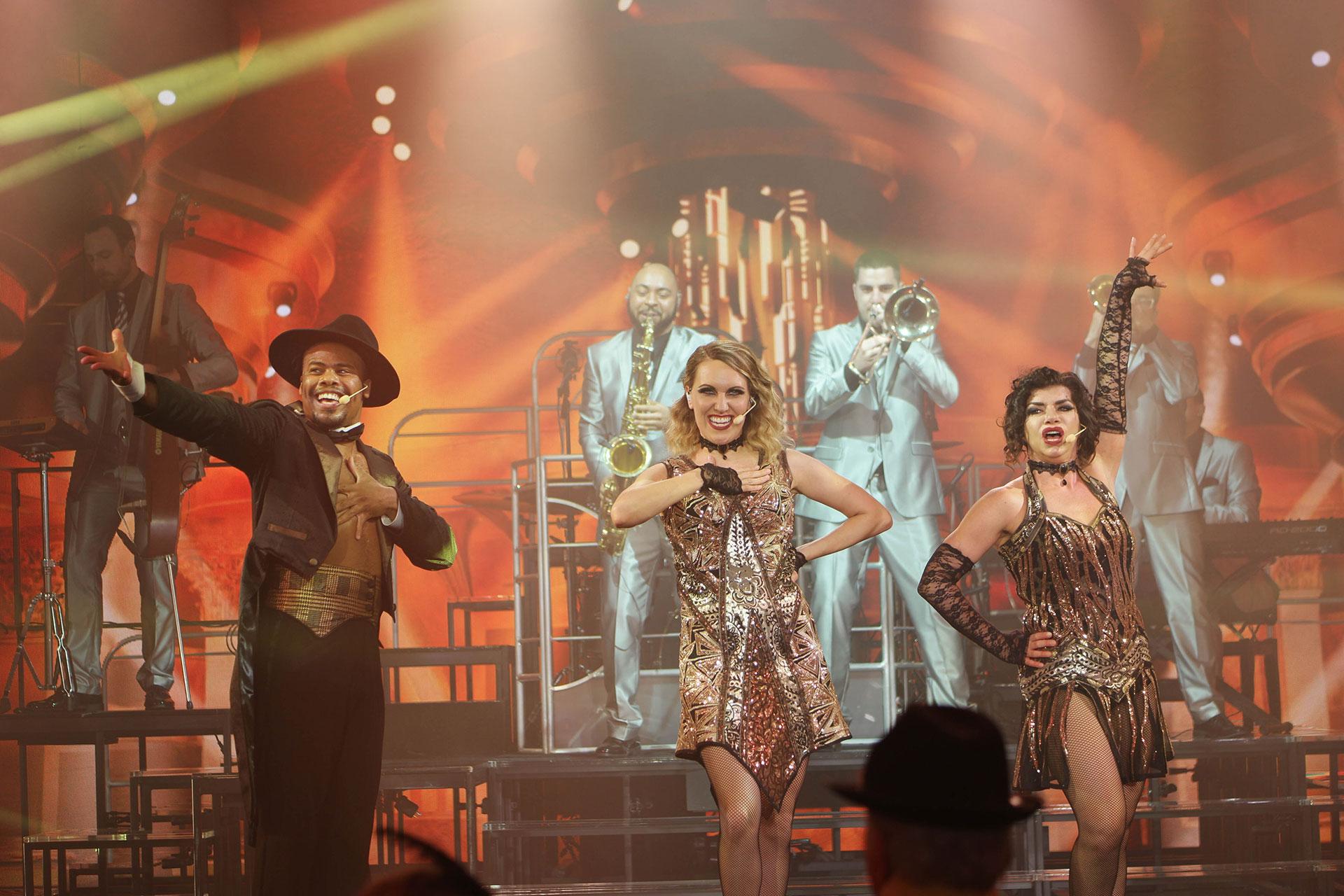 """Vintage Pop"" Show on Carnival Horizon; Courtesy of Jeff Bogle"