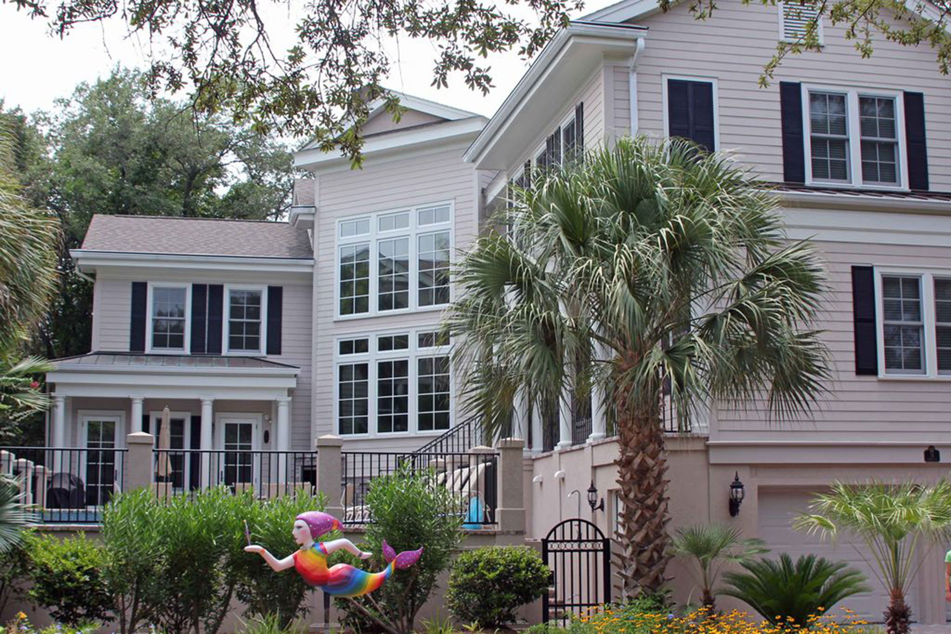 Castle by the Sea Vacation Rental in Hilton Head, South Carolina; Courtesy of VacationRentals.com/HomeAway
