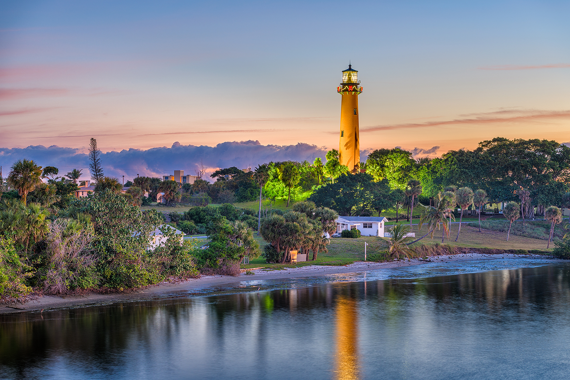 Jupiter Inlet Lighthouse in Juno Beach, Florida; Courtesy of Sean Pavone/Shutterstock.com