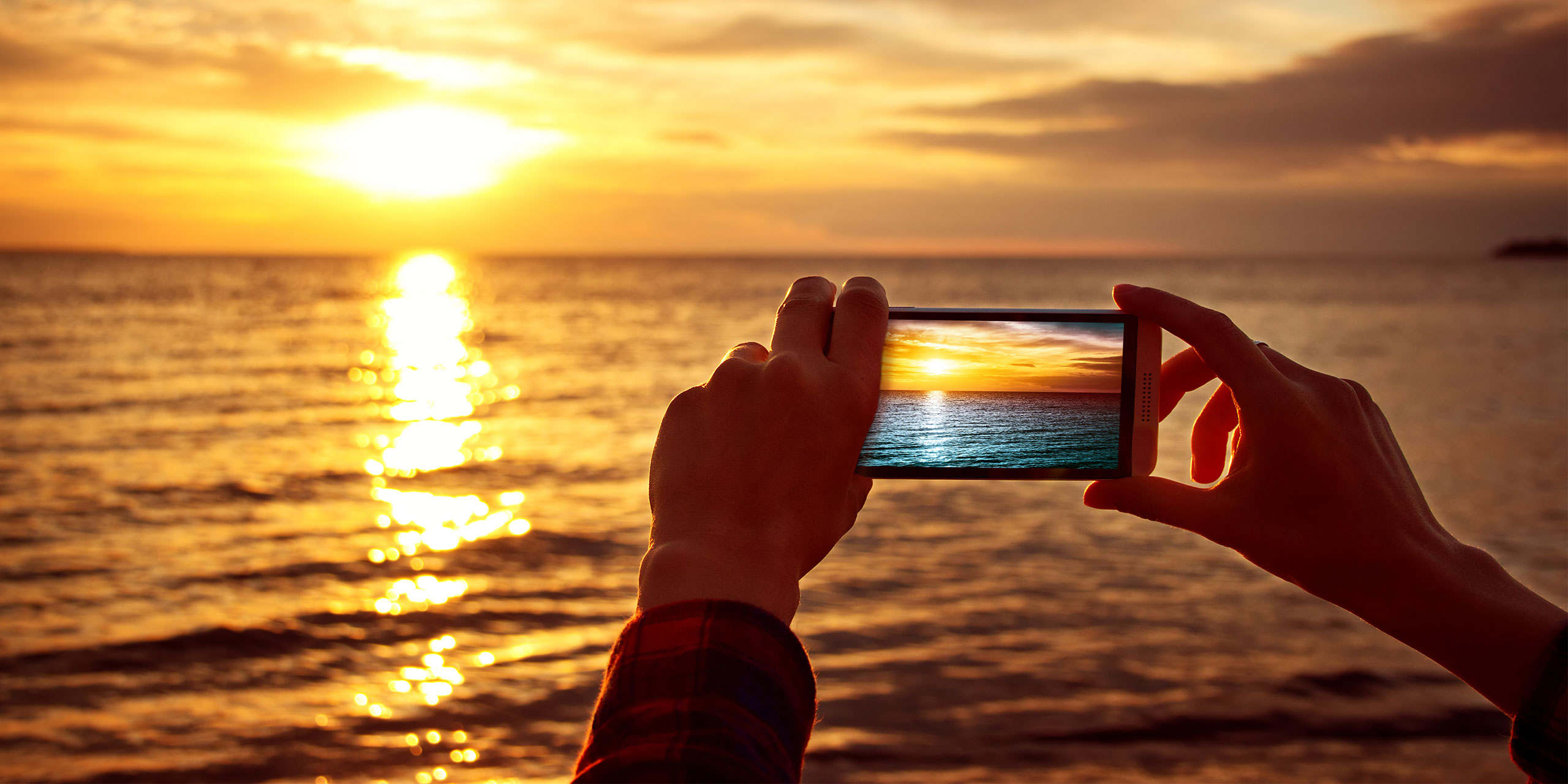 Phone Photography; Courtesy of LeManna/Shutterstock.com