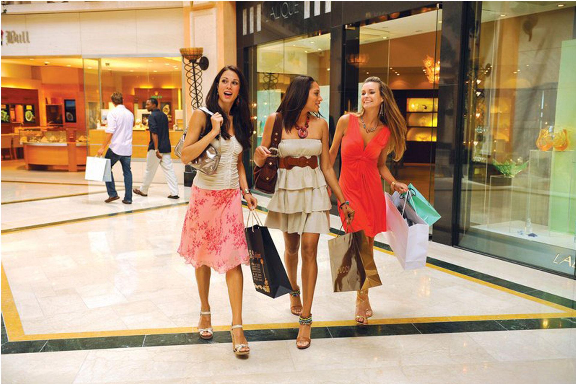 Atlantis Shopping; Courtesy of Atlantis Resort