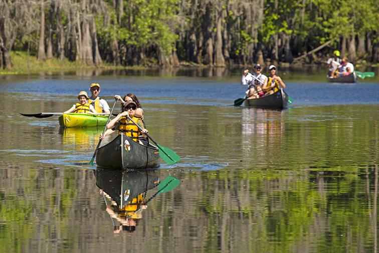 Paddling Center at Shingle Creek in Kissimmee; Courtesy of Jeff Holcombe/ Shutterstock