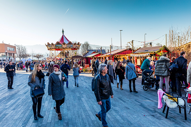 Zurich christmas market; Courtesy of Shutterstock