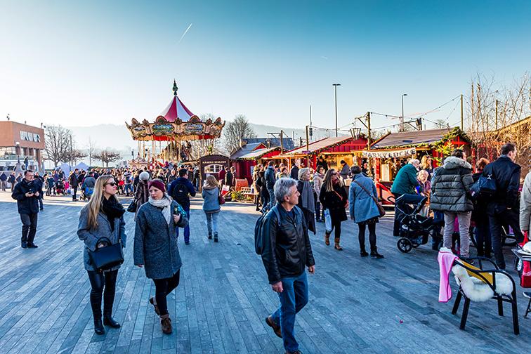 Zurich christmas market; Courtesy of Shutterstock