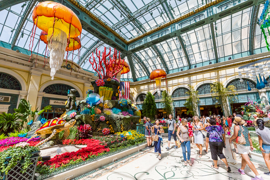 Bellagio Conservatory ; Courtesy of Oscity /Shutterstock