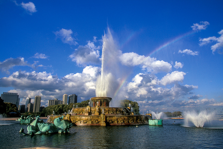 Be Wowed by Buckingham Fountain	;	Courtesy of Choose Chicago