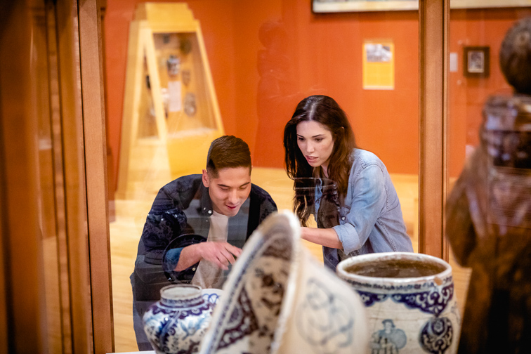 Peruse the National Museum of Mexican Art;Courtesy of Choose Chicago