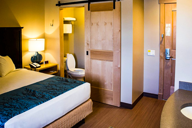 Canyon Lodge and Cabins interior standard room; Courtesy of Canyon Lodge and Cabins