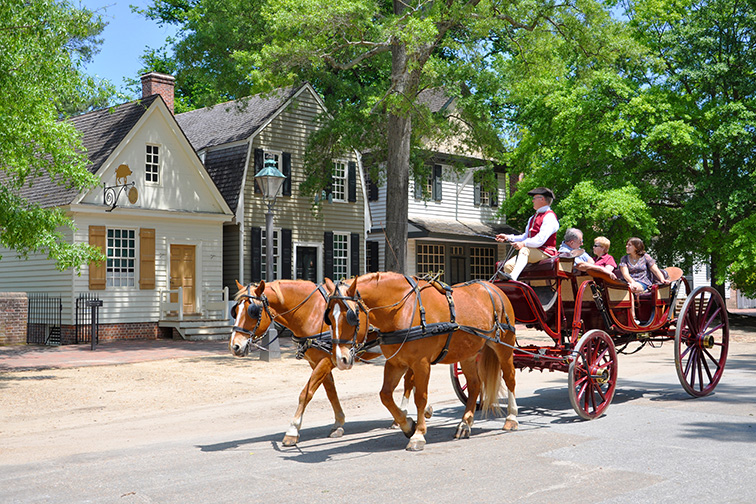 Williamsburg Virginia horse drawn carriage; Courtesy Wangkun Jia/Shutterstock