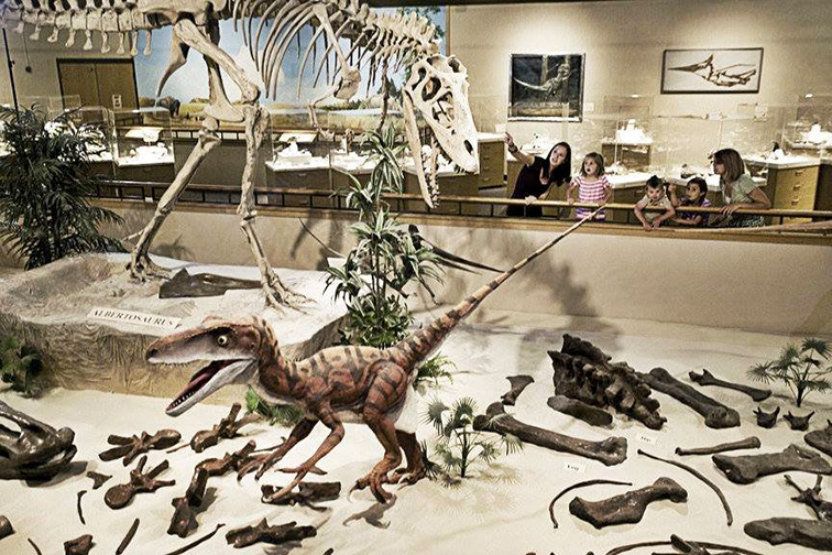 North Dakota Dinosaur Tour ; Courtesy Dickinson Museum Center